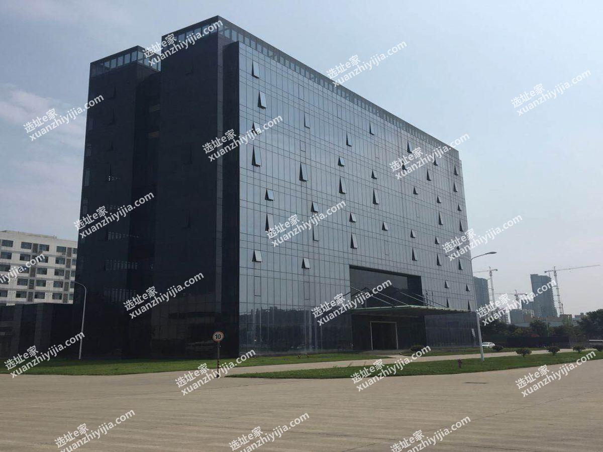 东西湖新城十三路11000平独门独院总部办公楼出租(可以做长租公寓)